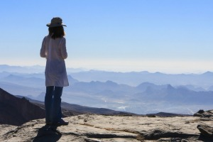 Jebel Shams, or Mountain of the Sun (3009 metres) is Oman's highest mountain, famous for the spectacularly deep Wadi ...