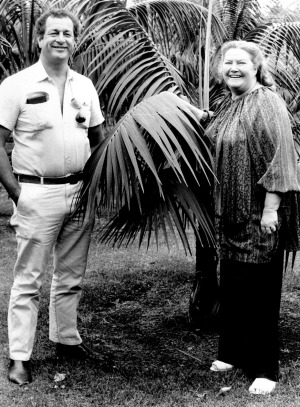 Colleen McCullough and her husband Ric Robinson.