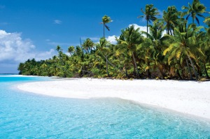 The breathtakingly beautiful turquoise lagoons and white sand beaches of Aitutaki Lagoon, Cook Islands.