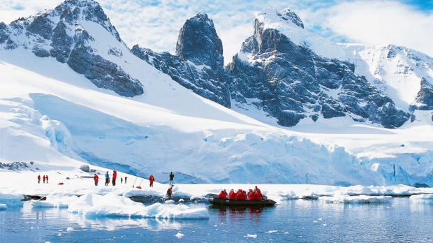 Luxury antarctica cruise high end travel at the bottom of for Can i go to antarctica