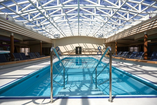The Hollywood Pool on Majestic Princess.