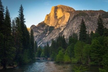 On a visit to Yosemite National Park in California we were blown away by the majestic monoliths, forests and waterfalls. ...