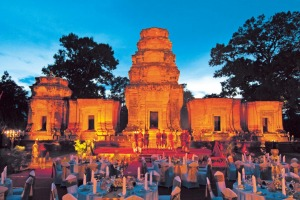 Temple Dinner and Apsara show in Cambodia with Scenic Enrich.