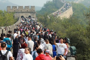 Tourists crowd the Badaling Great Wall during the National Day holiday in Beijing, China, 3 October 2016. Chinese ...