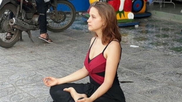Crackdown on 'begpackers' after meditating beggar pic goes viral