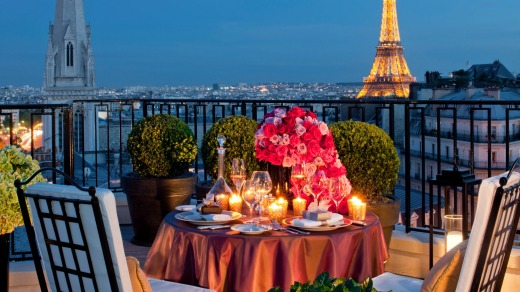 Four Seasons Hotel George V Paris.