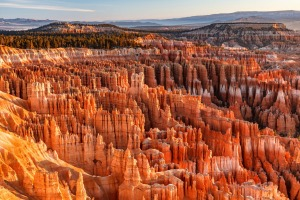 Hoodoos and mesas seen from Inspiration Point, in Bryce Canyon National Park, Utah.