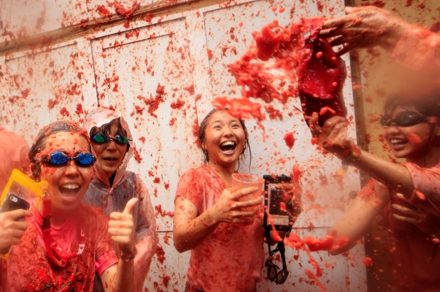 Incredible Pics From Spain's Tomatina Festival