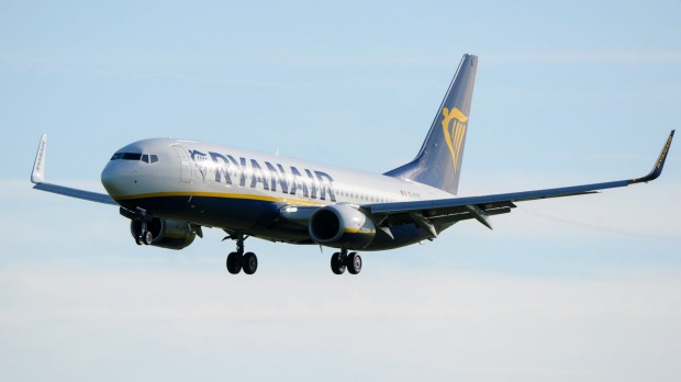 Ryanair has announced it is cancelling a further 400,000 bookings on 18,000 flights between November this and March 2018.