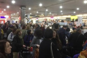 Long queues at Melbourne Airport in Australia.