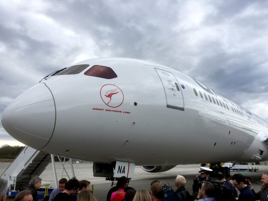 The first Qantas Dreamliner has been named 'Great Southern Land'.