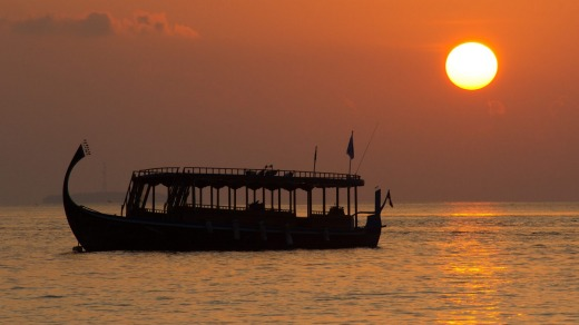 The dhoni is a traditional boat found in the Maldives.