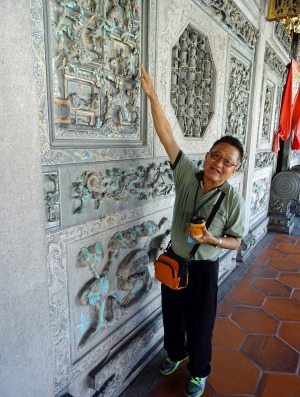Tour guide Mr Yeap at Khoo Kongsi, clan house to the Khoo family in George Town, Penang.