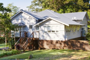 Mahalo House is a supremely comfortable, light and airy five-bedroom home set amidst rolling lawns.
