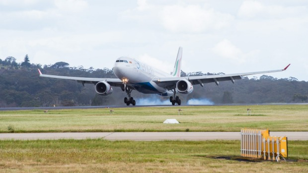 SriLankan Airlines flies non-stop between Melbourne and Colombo.