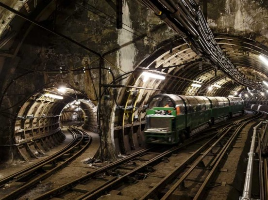 The Rail Mail network sits 21 metres below the streets of London and stretches a distance of 10 kilometres.