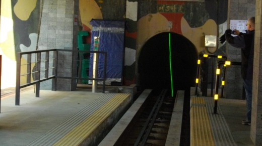 Entrance to the visitor tunnel.