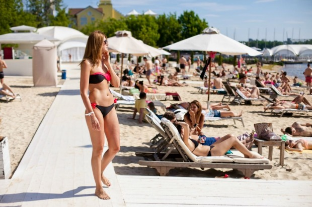 ROYAL BAR BEACH CLUB, MOSCOW: About 10 clicks from the Kremlin, this swanky enclave on the Moscow Canal dishes up one ...