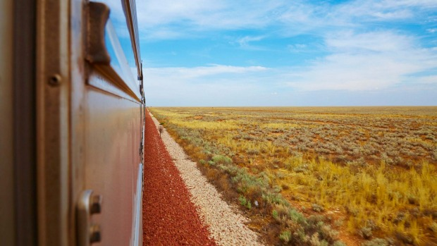 Indian Pacific makes its way to Perth.