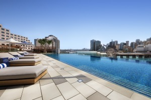 Sofitel Sydney Darling Harbour pool.