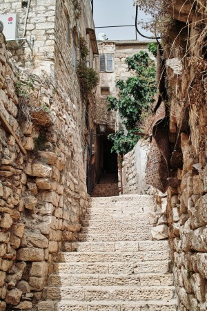 The twisting, ancient paths of Tzfat.