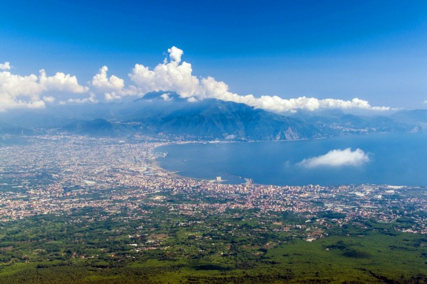 U24826 – Zurich to Naples (easyJet). Obviously, Switzerland is going to be beautiful. This is one of the most visually ...