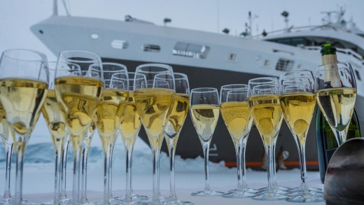 Champagne on ice, Gullet Passage.