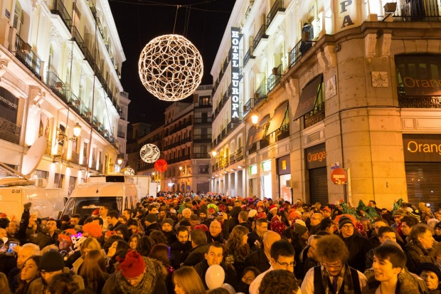 MADRID: Restaurants offer set-price new year meals with live music and dancing. Then Madrid descends on Puerta del Sol ...
