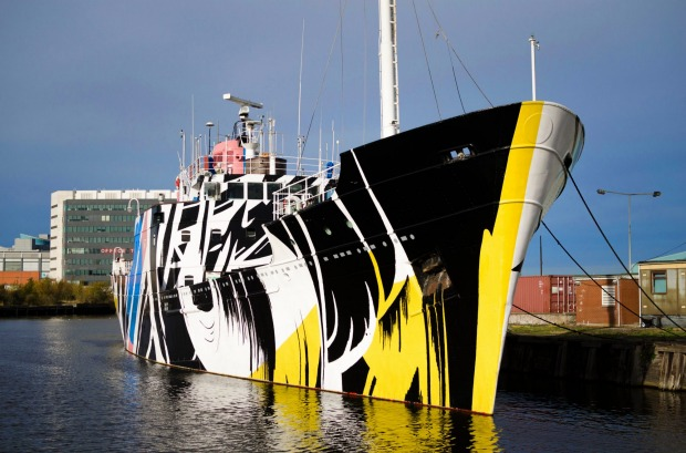 MV FINGAL, SCOTLAND: Moored at Prince of Wales Dock next to the Royal Yacht Britannia, the former royal yacht of Queen ...