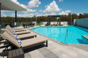 The rooftop pool at Pullman Brisbane Airport.