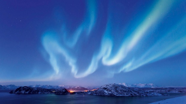 A new cruise and rail tour takes in the Northern Lights
