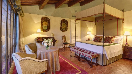 Junior suite at Villa La Massa in Florence.