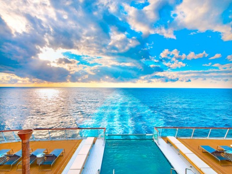 The infinity pool on board Viking Sun.