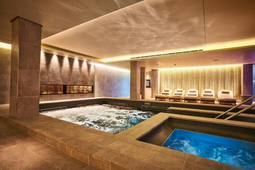 Viking Sun spa pool.