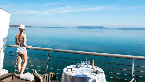 Hotel Palafitte, Neuchatel: Studios on pylons offer direct private access to the water.