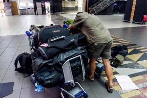 Should airport trolleys be free?