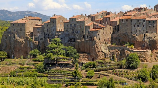 Medieval village Pitigliano is one of several higgledy-piggledy villages sculpted out of tufa outcrops.