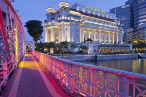 Anderson Bridge and the Fullerton hotel.