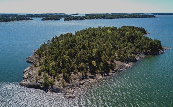 SuperShe Island, Finland.
