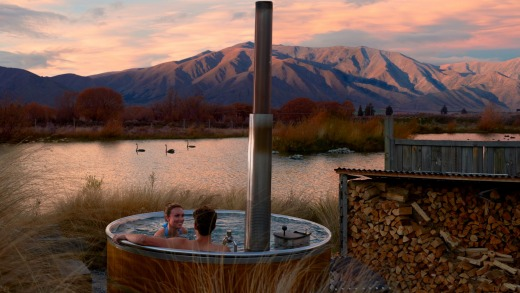 Sooth your muscles with a hot tub at Omarama.