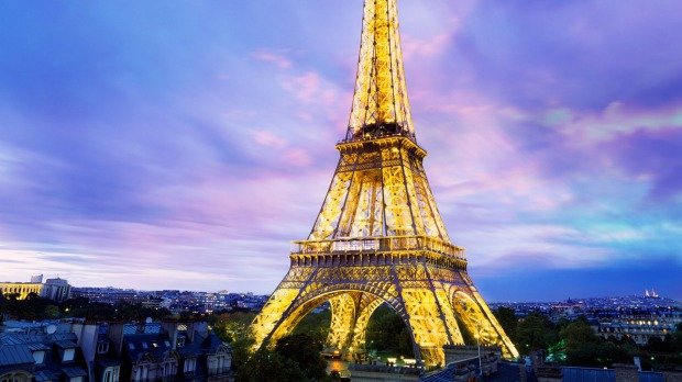 Paris France Eiffel Tower Will Be Repainted A Different Colour In October 2018