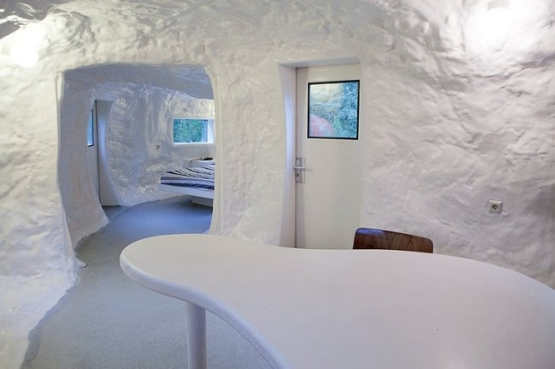 Hotel CasAnus, Belgium: Originally designed as an artwork, the CasAnus is made of polyester and takes the utterly ...