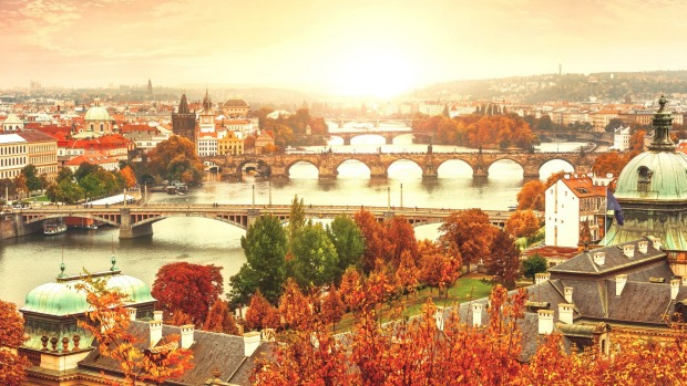 See some of Europe's great cities, including Prague, with China Eastern Airlines.