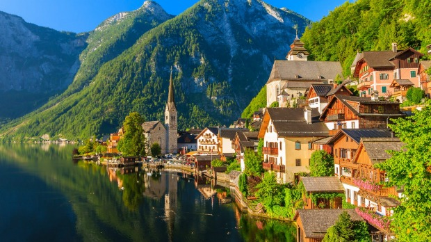 Hallstatt's picturesque mountain village and alpine lake.