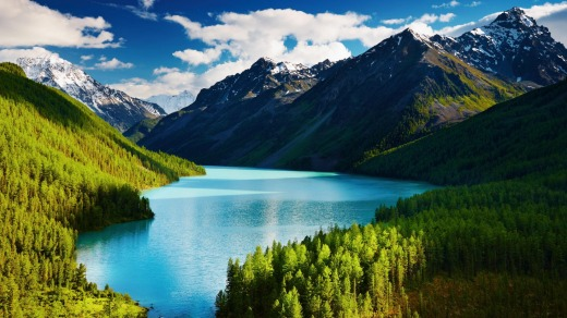 Lake Kucherlinskoe in the Altai mountains.