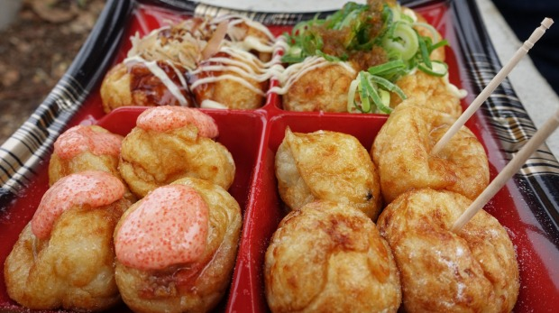 tTakoyaki (squid dumplings) in Osaka.