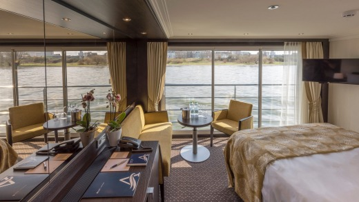 A Panorama Suite aboard Avalon Imagery II.