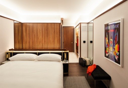 All of the hotel's 512 rooms will include aesthetics that are sure to appeal to aviation and design buffs.
