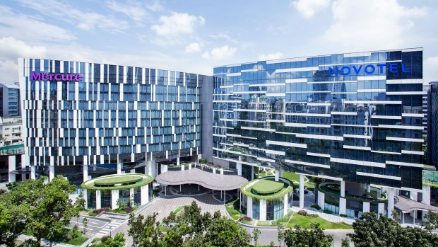 The new Novotel Singapore Stevens shares facilities with the adjacent Mercure.