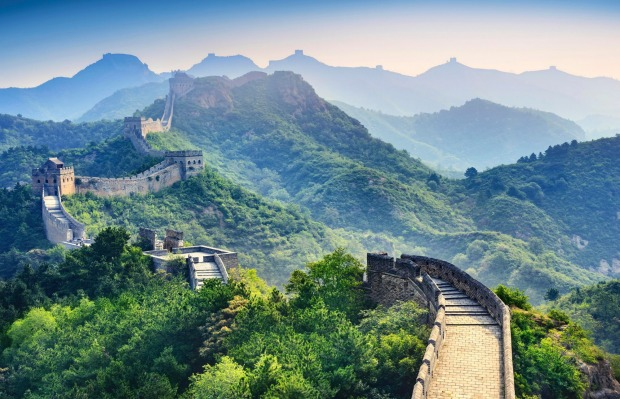 GREAT WALL OF CHINA The Great Wall winds for around 6000 kilometres across China, but its best-preserved sections run ...